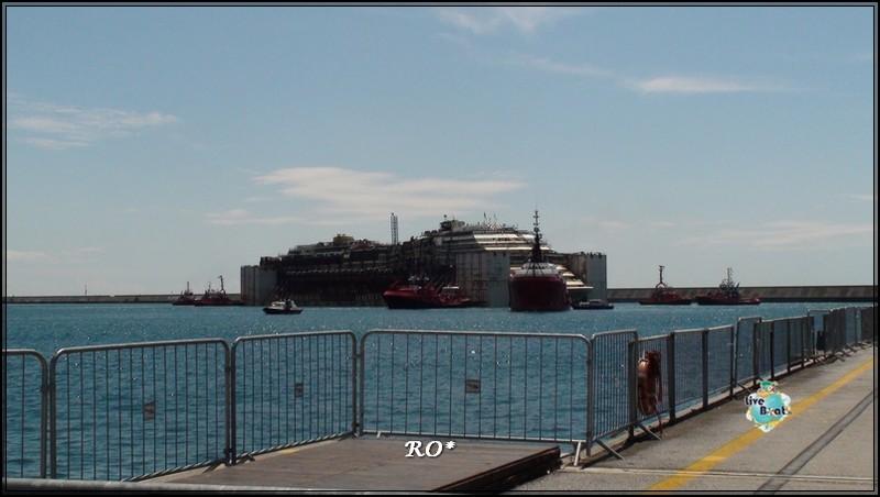 Liveboat in Diretta dall'Isola del Giglio e arrivo a Genova-93foto-costaconcordia-genova-arrivo-jpg