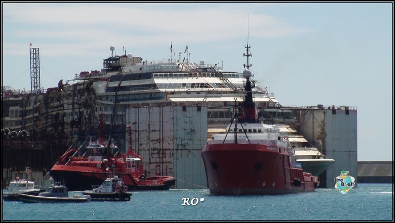Liveboat in Diretta dall'Isola del Giglio e arrivo a Genova-95foto-costaconcordia-genova-arrivo-jpg
