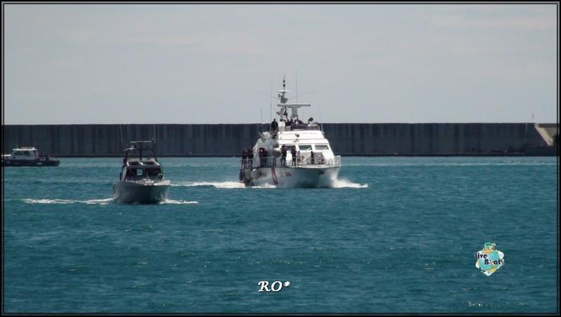 Liveboat in Diretta dall'Isola del Giglio e arrivo a Genova-98foto-costaconcordia-genova-arrivo-jpg