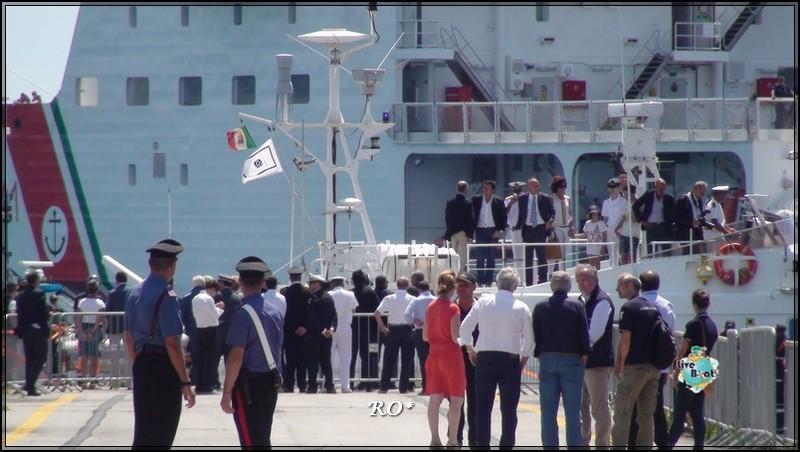 Liveboat in Diretta dall'Isola del Giglio e arrivo a Genova-100foto-costaconcordia-genova-arrivo-jpg