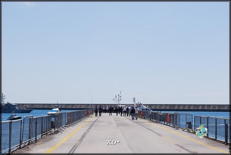 Liveboat in Diretta dall'Isola del Giglio e arrivo a Genova-22foto-costaconcordia-genova-arrivo-jpg
