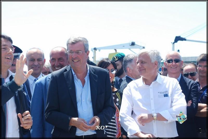 Liveboat in Diretta dall'Isola del Giglio e arrivo a Genova-25foto-costaconcordia-genova-arrivo-jpg