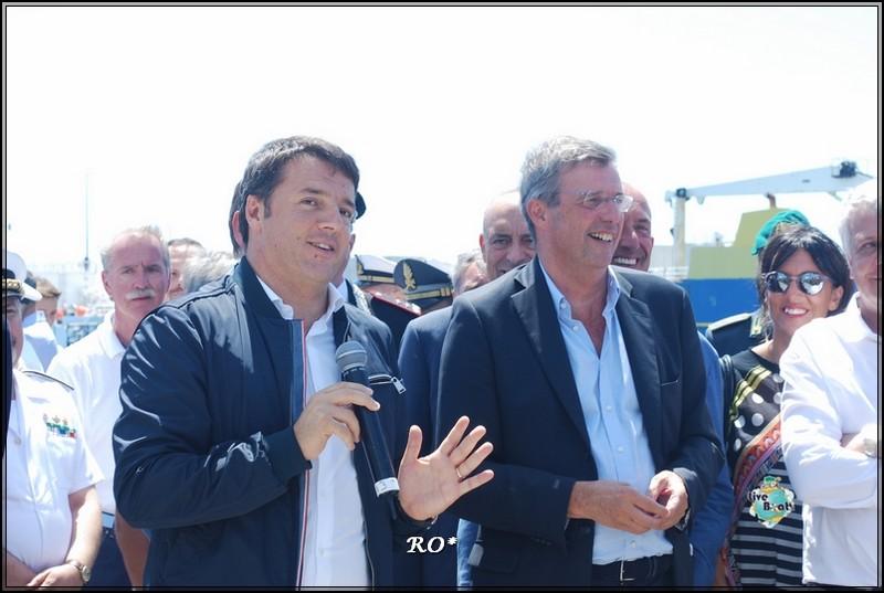Liveboat in Diretta dall'Isola del Giglio e arrivo a Genova-26foto-costaconcordia-genova-arrivo-jpg