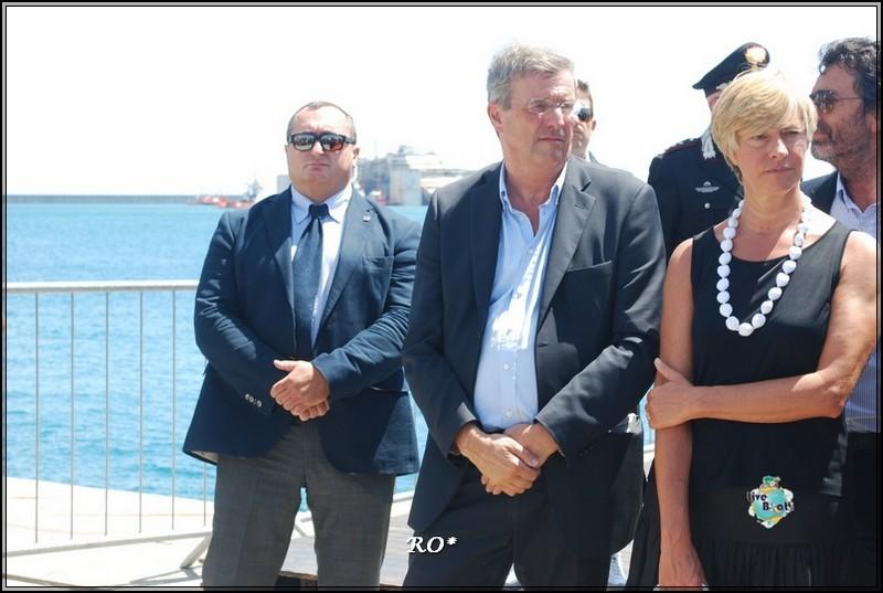 Liveboat in Diretta dall'Isola del Giglio e arrivo a Genova-29foto-costaconcordia-genova-arrivo-jpg