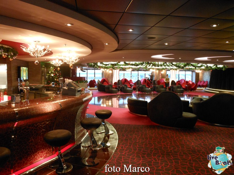 """The Aft Lounge"" - il lounge principale di Msc Splendida-03-jpg"
