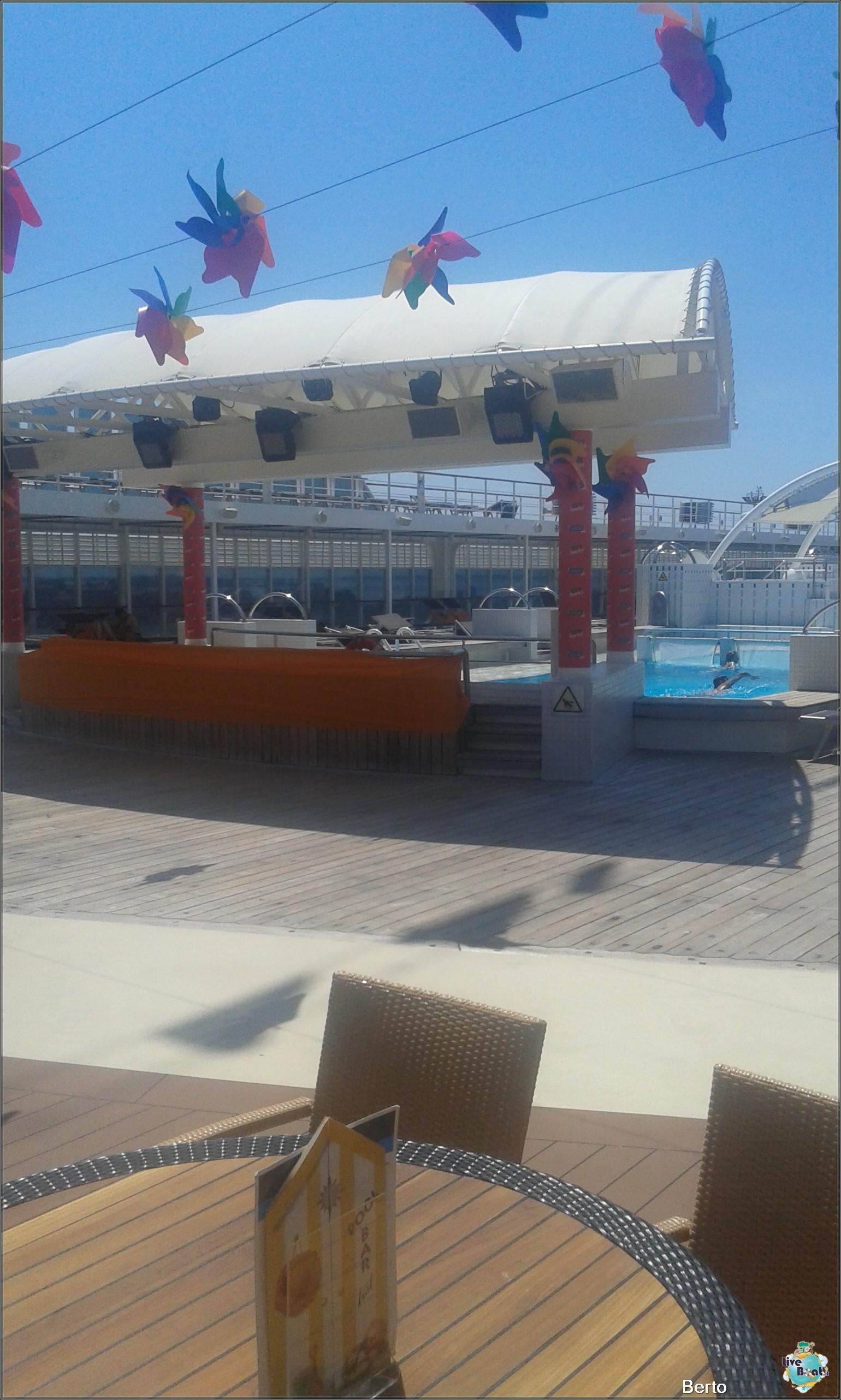 La zona lido/piscina di Msc Armonia-65msc-armonia-venezia-liveboatcrociere-jpg