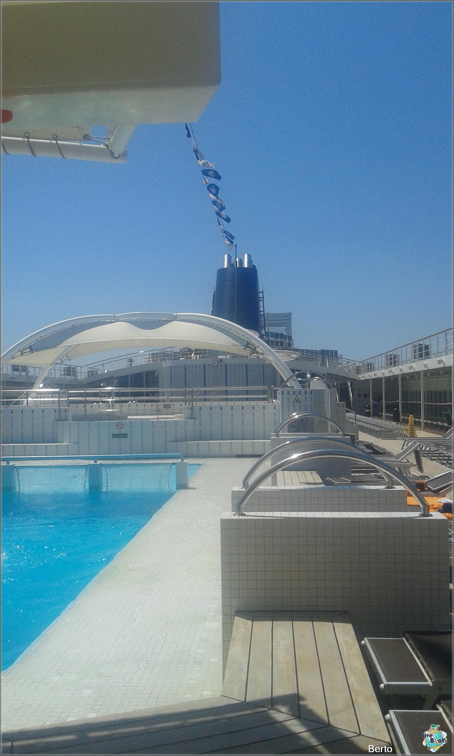 La zona lido/piscina di Msc Armonia-67msc-armonia-venezia-liveboatcrociere-jpg