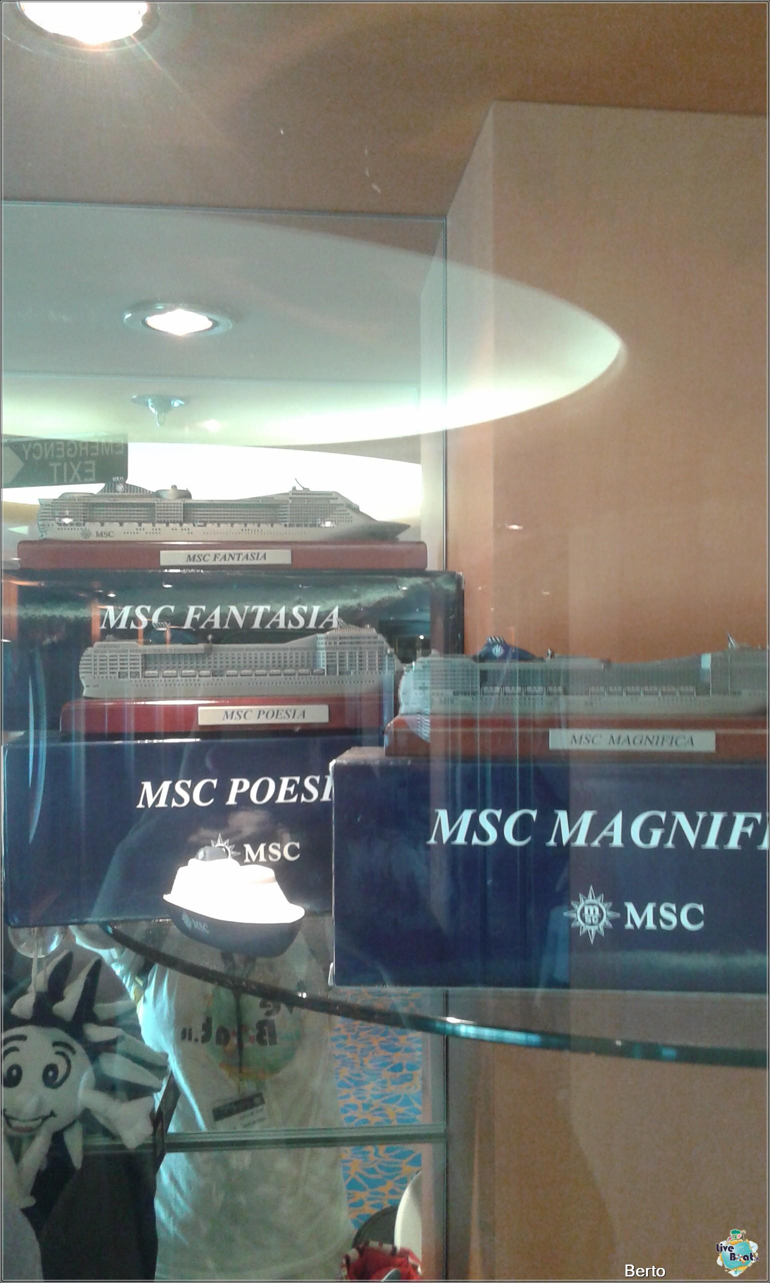 I negozi di Msc Armonia-150msc-armonia-venezia-liveboatcrociere-jpg