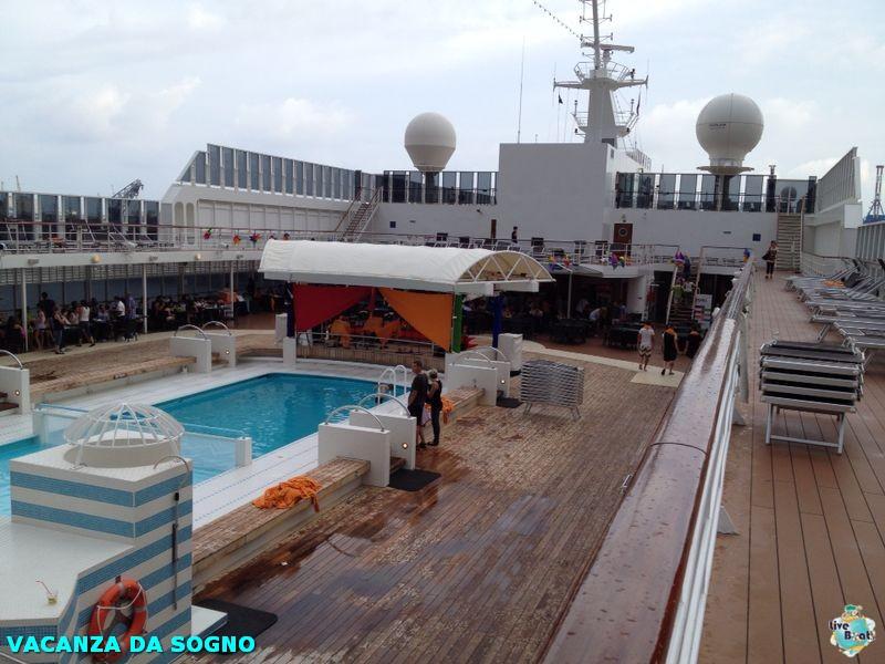 2014/07/28 Genova, Italy-6mscsinfonia-salerno-direttaliveboat-crociere-navedeigiovani-jpg