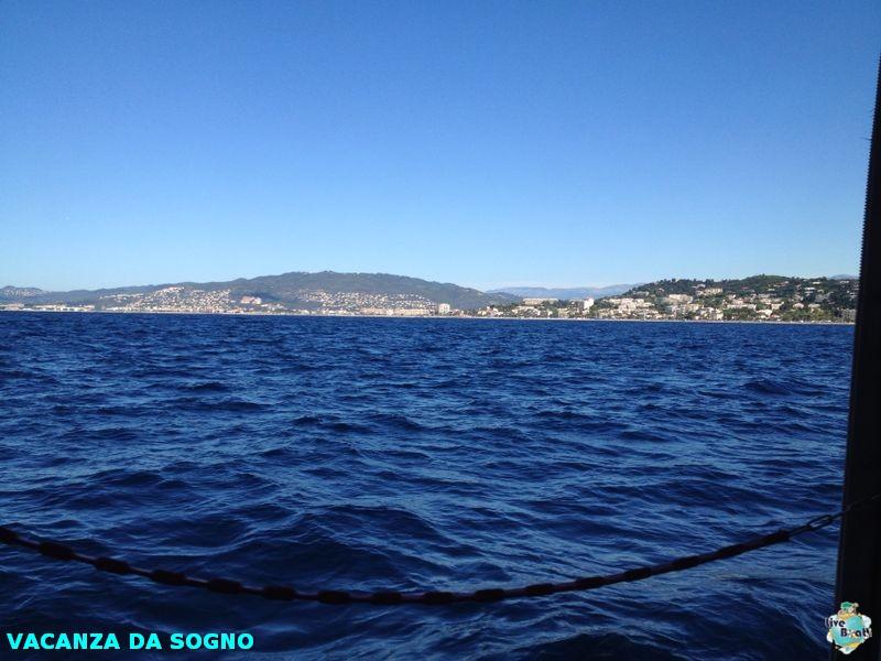 2014/07/29 Cannes, France-5mscsinfonia-cannes-direttaliveboat-crociere-navedeigiovani-jpg