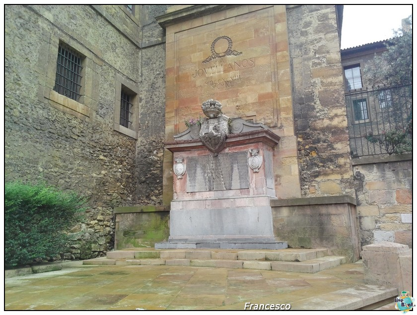 2014/05/25- Southampton -Independence OTS Francia e Spagna-oviedo-monumento-jovellanos-jpg