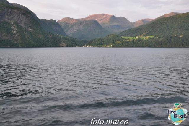 Navigazione turistica lungo il Geirangerfjord-11foto-liveboat-nord_europa-costa_luminosa-jpg