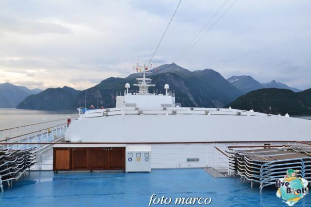 Navigazione turistica lungo il Geirangerfjord-16foto-liveboat-nord_europa-costa_luminosa-jpg