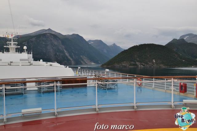 Navigazione turistica lungo il Geirangerfjord-17foto-liveboat-nord_europa-costa_luminosa-jpg
