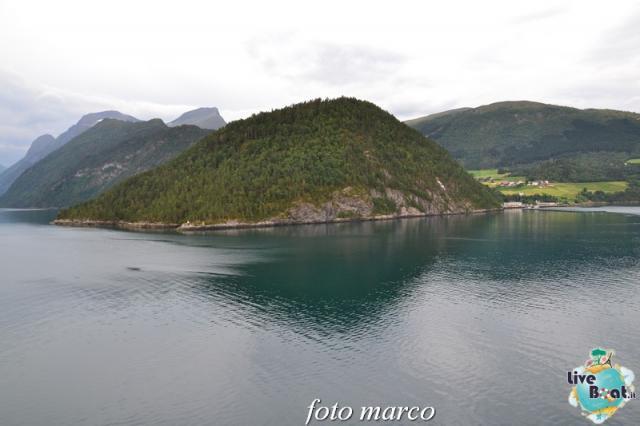 Navigazione turistica lungo il Geirangerfjord-19foto-liveboat-nord_europa-costa_luminosa-jpg