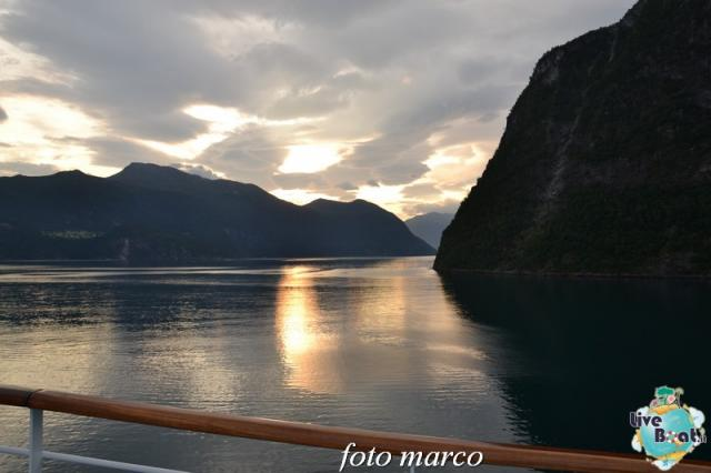 Navigazione turistica lungo il Geirangerfjord-24foto-liveboat-nord_europa-costa_luminosa-jpg