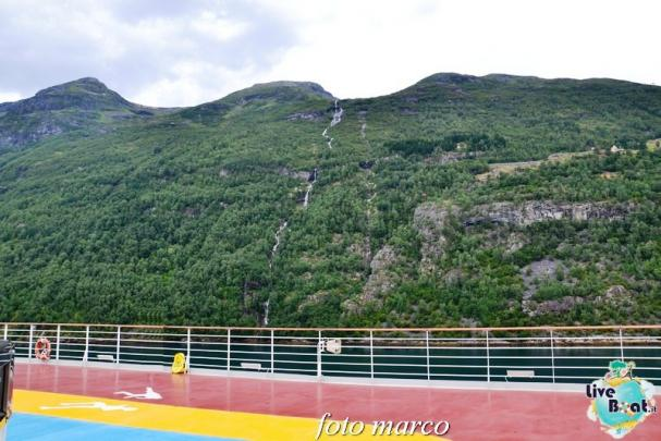 Navigazione turistica lungo il Geirangerfjord-49foto-liveboat-nord_europa-costa_luminosa-jpg