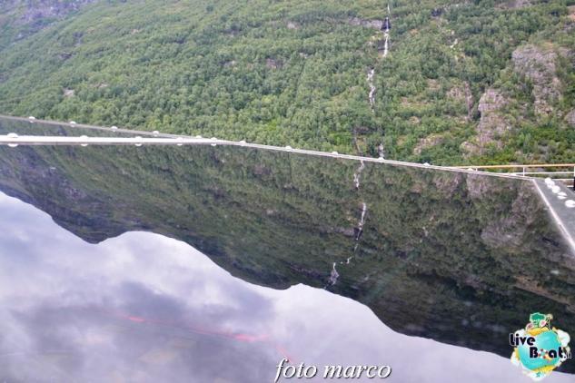 Navigazione turistica lungo il Geirangerfjord-50foto-liveboat-nord_europa-costa_luminosa-jpg
