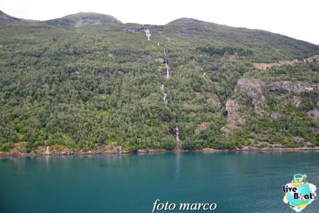 Navigazione turistica lungo il Geirangerfjord-51foto-liveboat-nord_europa-costa_luminosa-jpg