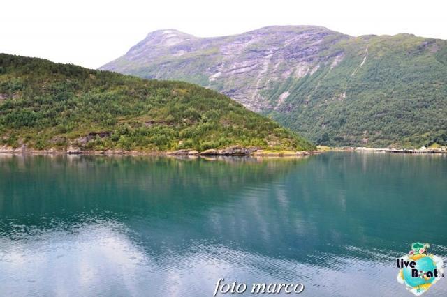 Navigazione turistica lungo il Geirangerfjord-54foto-liveboat-nord_europa-costa_luminosa-jpg