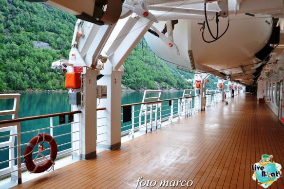 Navigazione turistica lungo il Geirangerfjord-55foto-liveboat-nord_europa-costa_luminosa-jpg