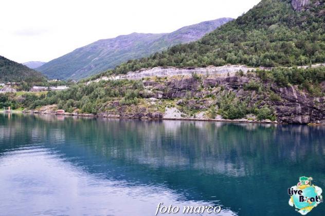 Navigazione turistica lungo il Geirangerfjord-57foto-liveboat-nord_europa-costa_luminosa-jpg