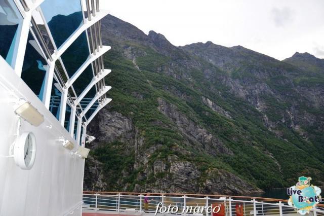 Navigazione turistica lungo il Geirangerfjord-33foto-liveboat-nord_europa-costa_luminosa-jpg