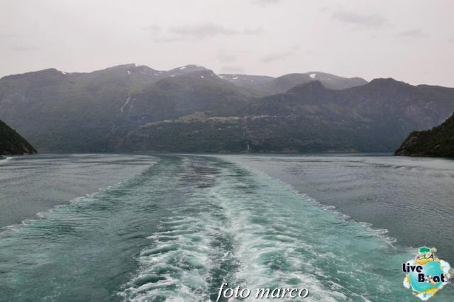 Navigazione turistica lungo il Geirangerfjord-60foto-liveboat-nord_europa-costa_luminosa-jpg