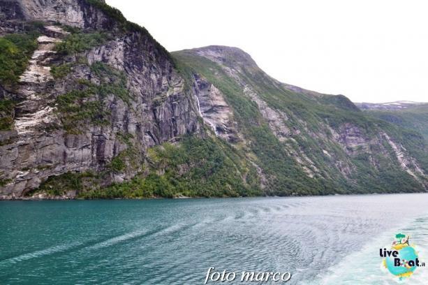 Navigazione turistica lungo il Geirangerfjord-62foto-liveboat-nord_europa-costa_luminosa-jpg