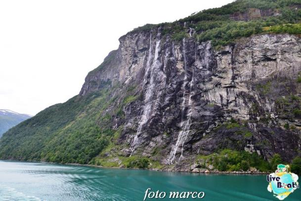 Navigazione turistica lungo il Geirangerfjord-64foto-liveboat-nord_europa-costa_luminosa-jpg