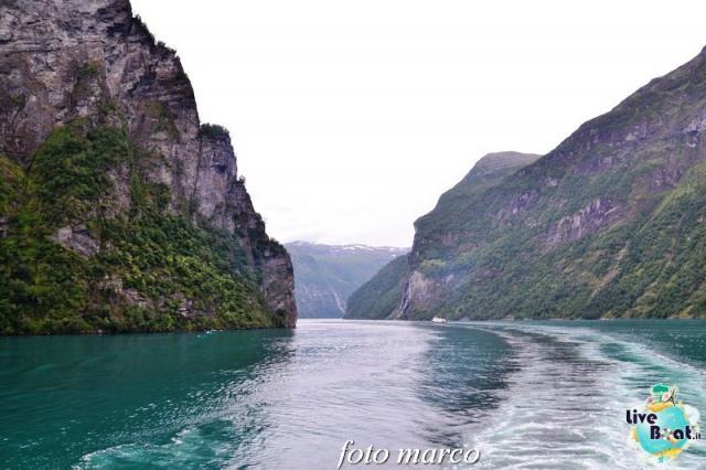 Navigazione turistica lungo il Geirangerfjord-65foto-liveboat-nord_europa-costa_luminosa-jpg