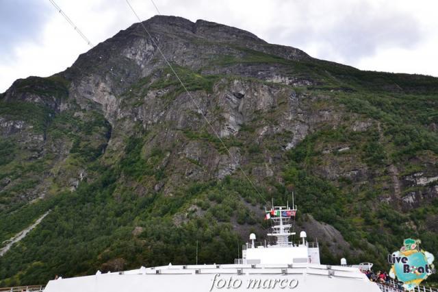 Navigazione turistica lungo il Geirangerfjord-114foto-liveboat-nord_europa-costa_luminosa-jpg
