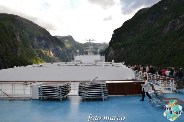 Navigazione turistica lungo il Geirangerfjord-117foto-liveboat-nord_europa-costa_luminosa-jpg