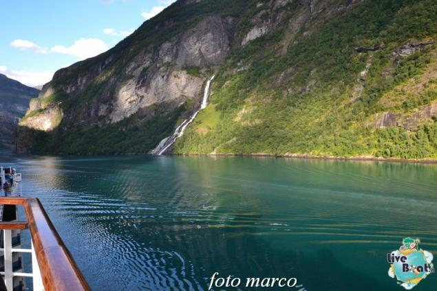 Navigazione turistica lungo il Geirangerfjord-120foto-liveboat-nord_europa-costa_luminosa-jpg