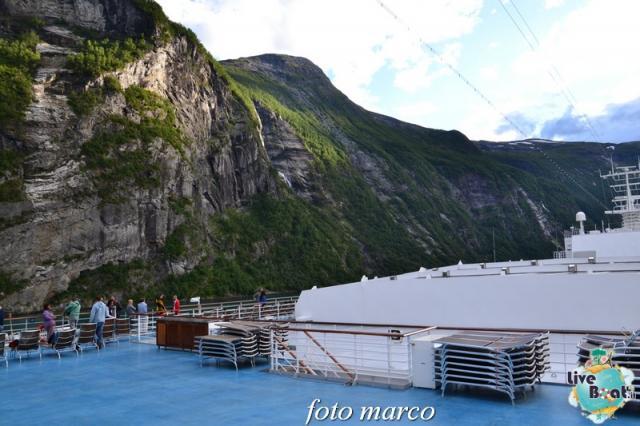 Navigazione turistica lungo il Geirangerfjord-122foto-liveboat-nord_europa-costa_luminosa-jpg