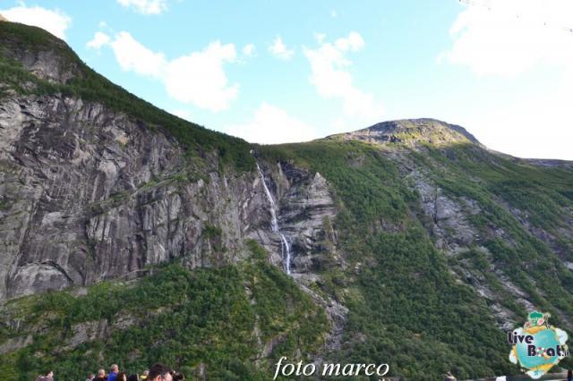 Navigazione turistica lungo il Geirangerfjord-123foto-liveboat-nord_europa-costa_luminosa-jpg