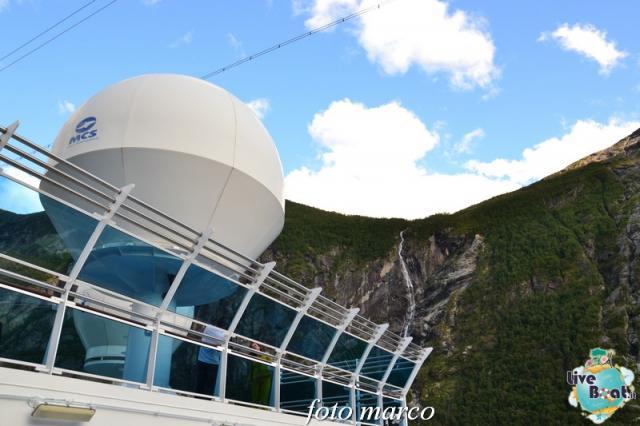 Navigazione turistica lungo il Geirangerfjord-124foto-liveboat-nord_europa-costa_luminosa-jpg