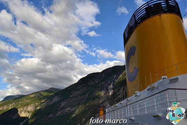Navigazione turistica lungo il Geirangerfjord-126foto-liveboat-nord_europa-costa_luminosa-jpg