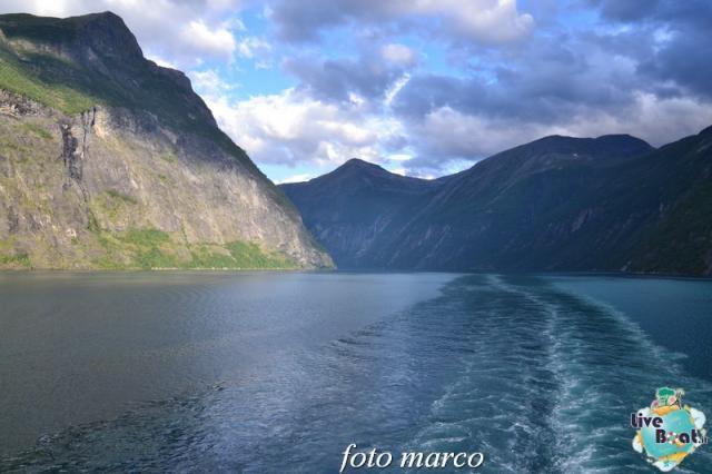 Navigazione turistica lungo il Geirangerfjord-128foto-liveboat-nord_europa-costa_luminosa-jpg