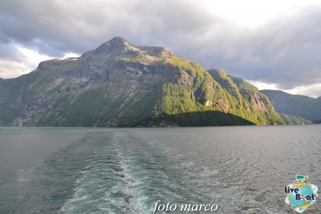 Navigazione turistica lungo il Geirangerfjord-131foto-liveboat-nord_europa-costa_luminosa-jpg