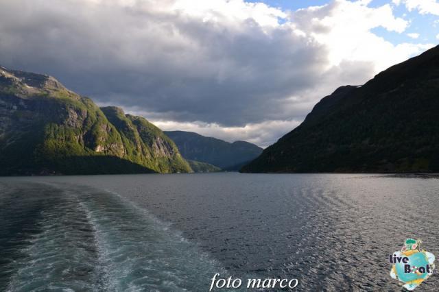 Navigazione turistica lungo il Geirangerfjord-132foto-liveboat-nord_europa-costa_luminosa-jpg
