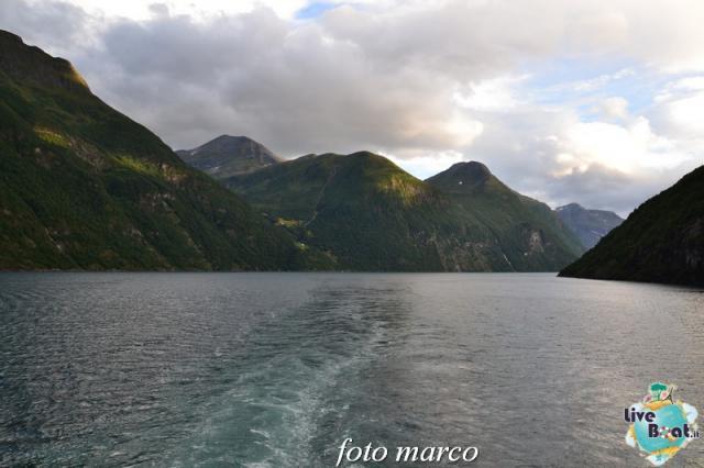 Navigazione turistica lungo il Geirangerfjord-135foto-liveboat-nord_europa-costa_luminosa-jpg