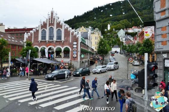 Cosa visitare a Bergen -Norvegia--247foto-liveboat-nord_europa-costa_luminosa-jpg