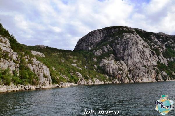 Cosa visitare a Stavanger-311foto-liveboat-nord_europa-costa_luminosa-jpg