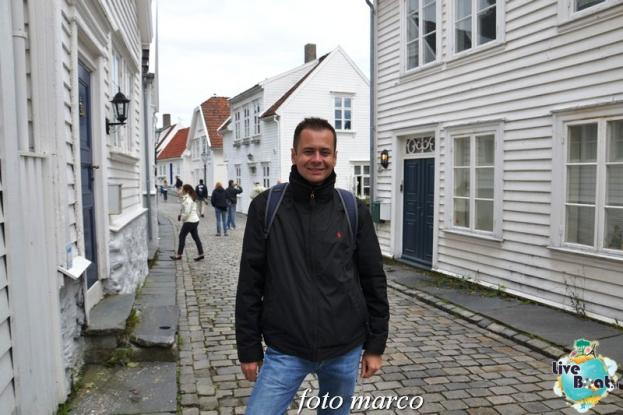 Cosa visitare a Stavanger-349foto-liveboat-nord_europa-costa_luminosa-jpg