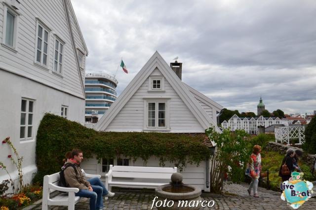 Cosa visitare a Stavanger-353foto-liveboat-nord_europa-costa_luminosa-jpg