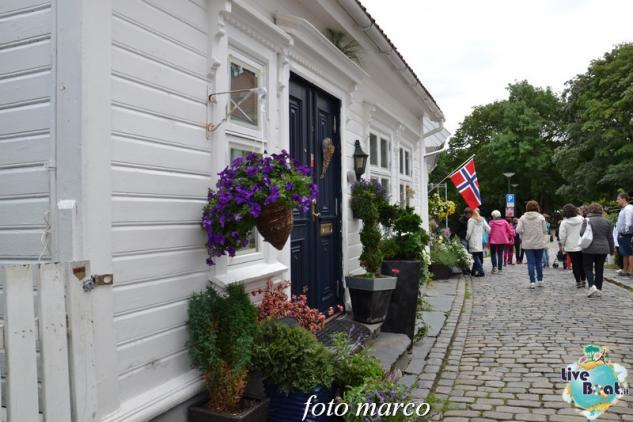 Cosa visitare a Stavanger-355foto-liveboat-nord_europa-costa_luminosa-jpg