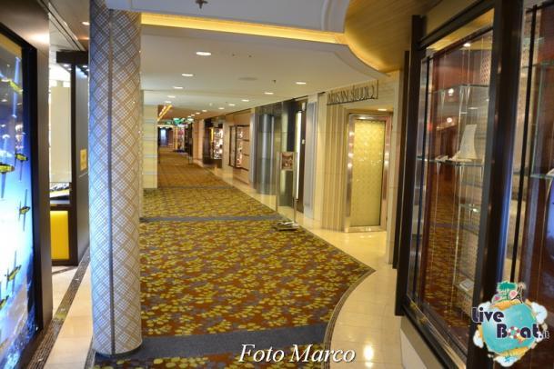 I negozi di Celebrity Silhouette-2foto-liveboat-celebrity_silhouette-jpg