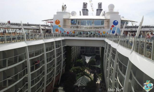2014/09/18 Visita nave Oasis of the seas a Barcellona-00foto-liveboat-cristian-oasis_ots-jpg