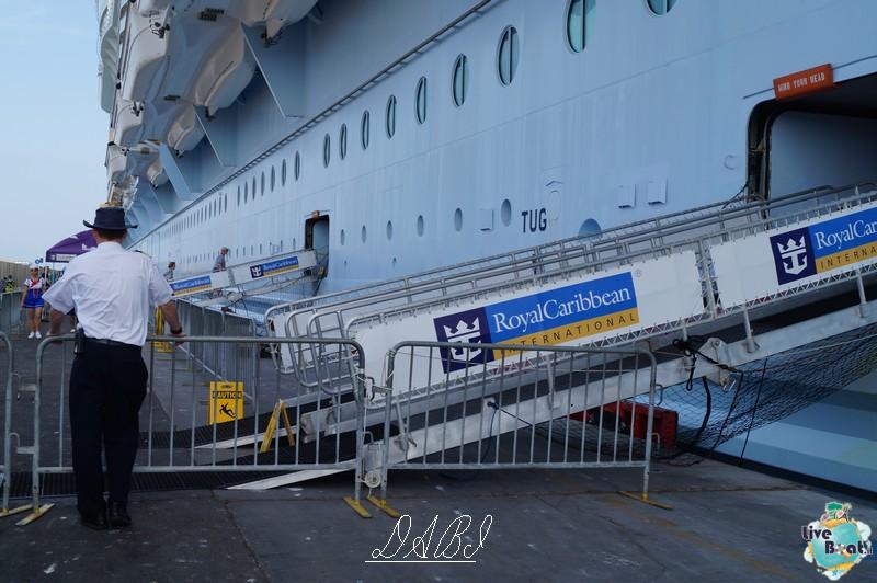 La linea esterna di Oasis ots-oasis-of-the-seas-royal-carribean-esterno-nave-3-jpg